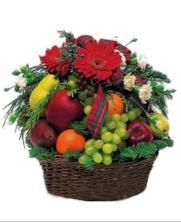 Cestas de gerberas y frutas